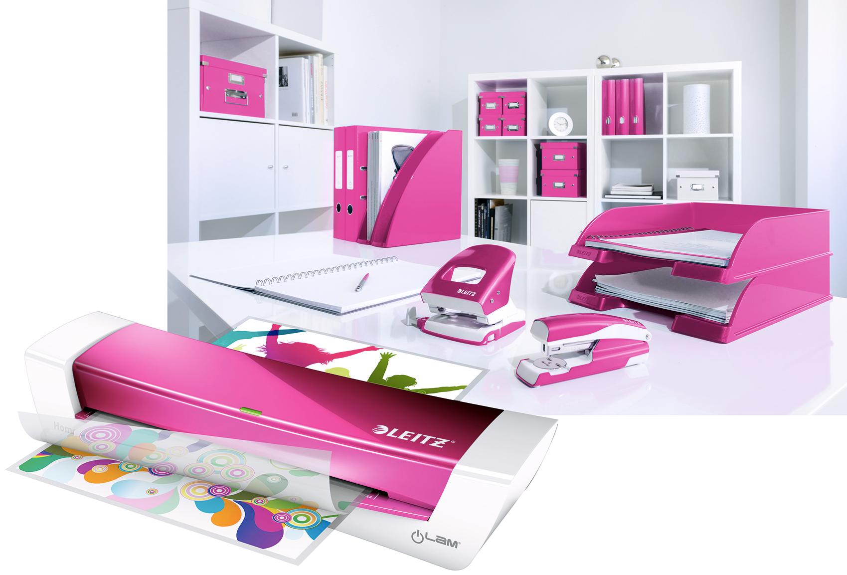 La Plastifieuse A4 Ilam Home Office rose métallisé est une machine à plastifier A4 moderne et rapide